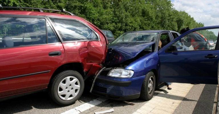When You Should Hire a Car Crash Lawyer